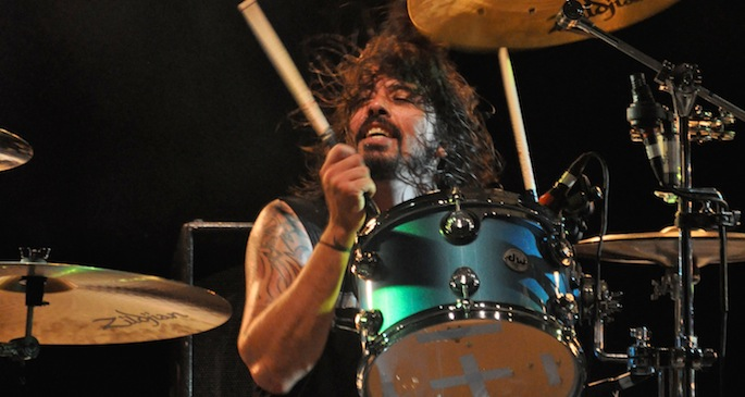 Dave Grohl resumes drumming duties on new Queens of the Stone Age album