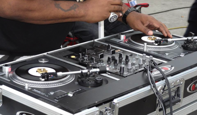 Check out Biz Markie's 7″ Technics turntables — the world's only pair