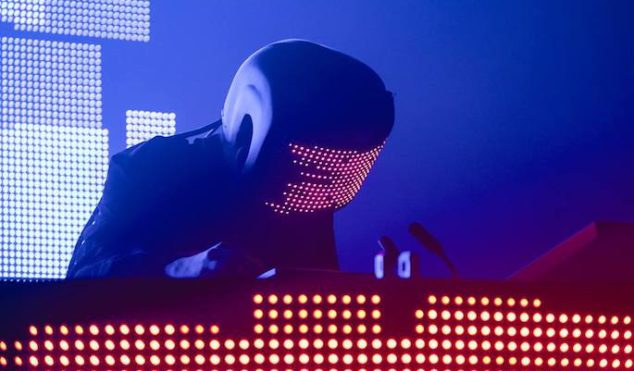 Squarepusher teams with robot band for new EP, including 78-fingered guitarist and 22-armed drummer