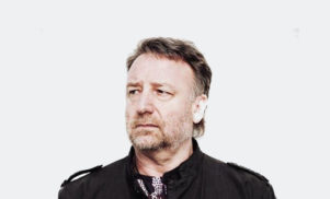 "Peter Hook calls Bernard Sumner ""twatto"", claims that he stole New Order"