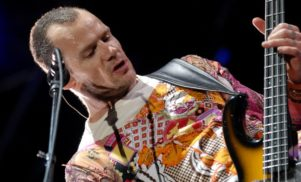 Red Hot Chili Peppers' Flea to write his autobiography