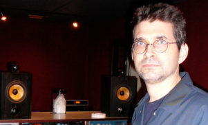 """It's like complaining that cars are going faster than horses."" Steve Albini praises Internet Age music industry"