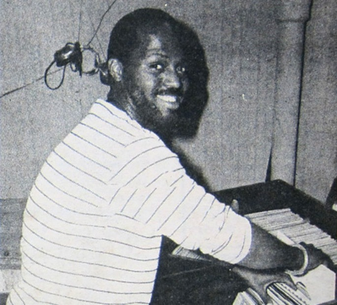 Explore a huge archive of early Frankie Knuckles mixes and tracklists