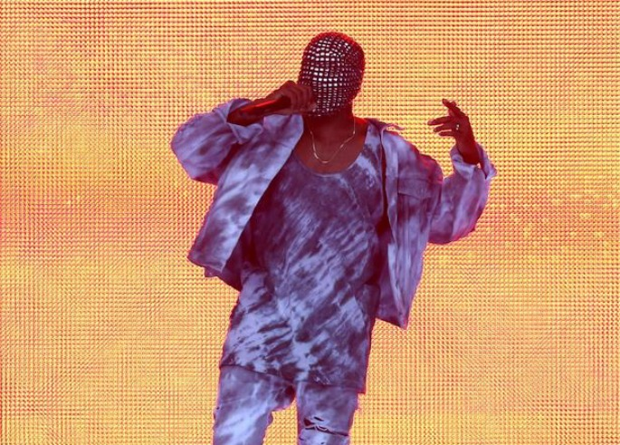 Kanye West booed during 20-minute rant at Wireless Festival performance