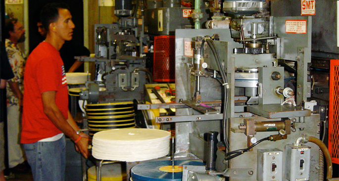 US vinyl suppliers struggling to keep up with demand from pressing plants