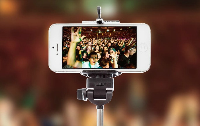 Selfie sticks banned by UK music venues
