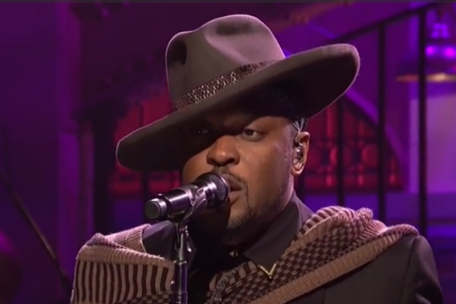Watch D'Angelo's performance on Saturday Night Live