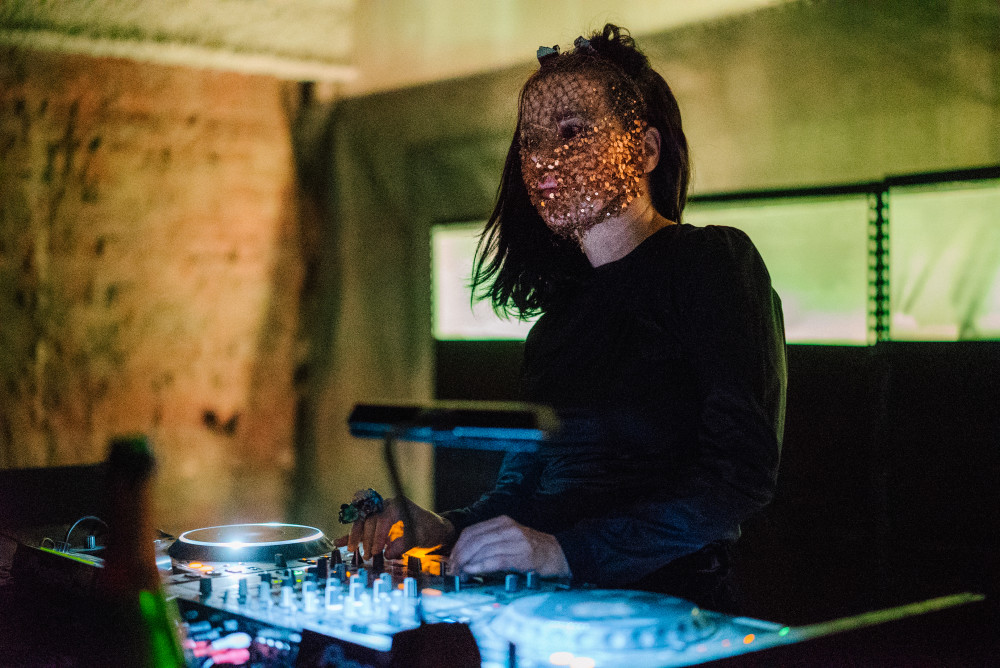 MaxwellSchiano_TriAngleRecords5YearNYC_2015RBMA12