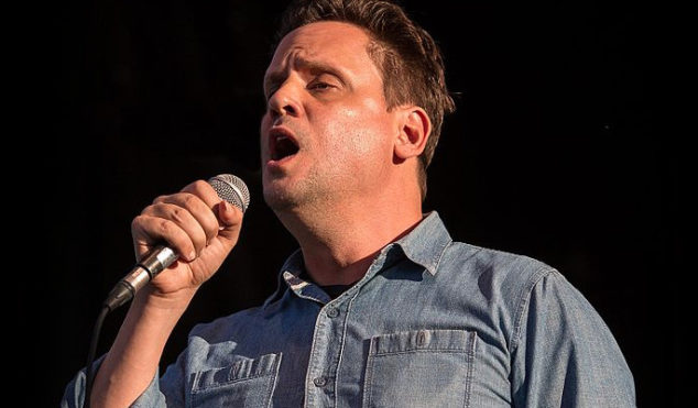 """Mark Kozelek targets female journalist, claims she """"wants to fuck him"""" and """"should get in line, bitch"""""""