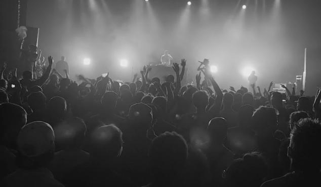 Joey Bada$$ – 'Paper Trails' – Live at Loriginal Festival