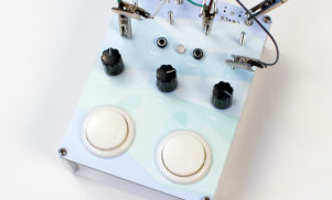 Daedelus has built a custom effect unit called the Delaydelus