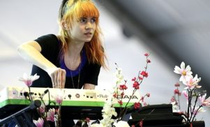 """Grimes talks new album, says it includes """"a lot of diss tracks"""""""