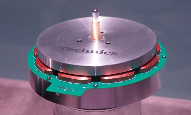 Gaze at the inside of the new Technics turntable
