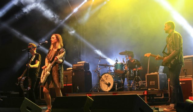 Slowdive share live version of 'Avalyn', announce live album