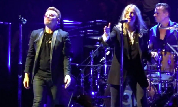 Patti Smith and U2 pay tribute to Paris attack victims