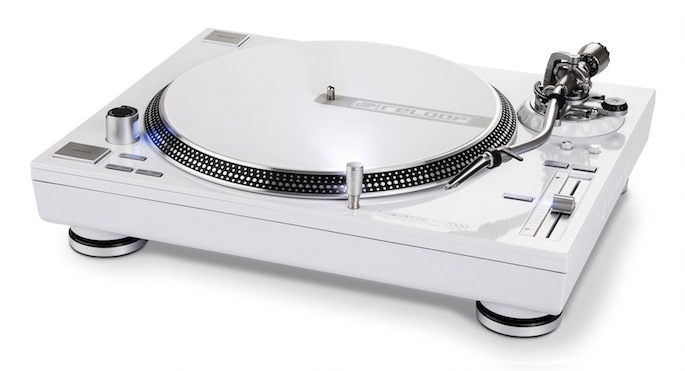 HMV sold one turntable per minute this Christmas