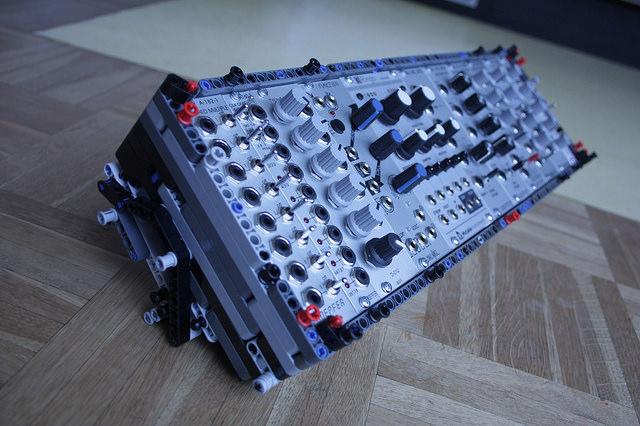 lego-modular-4