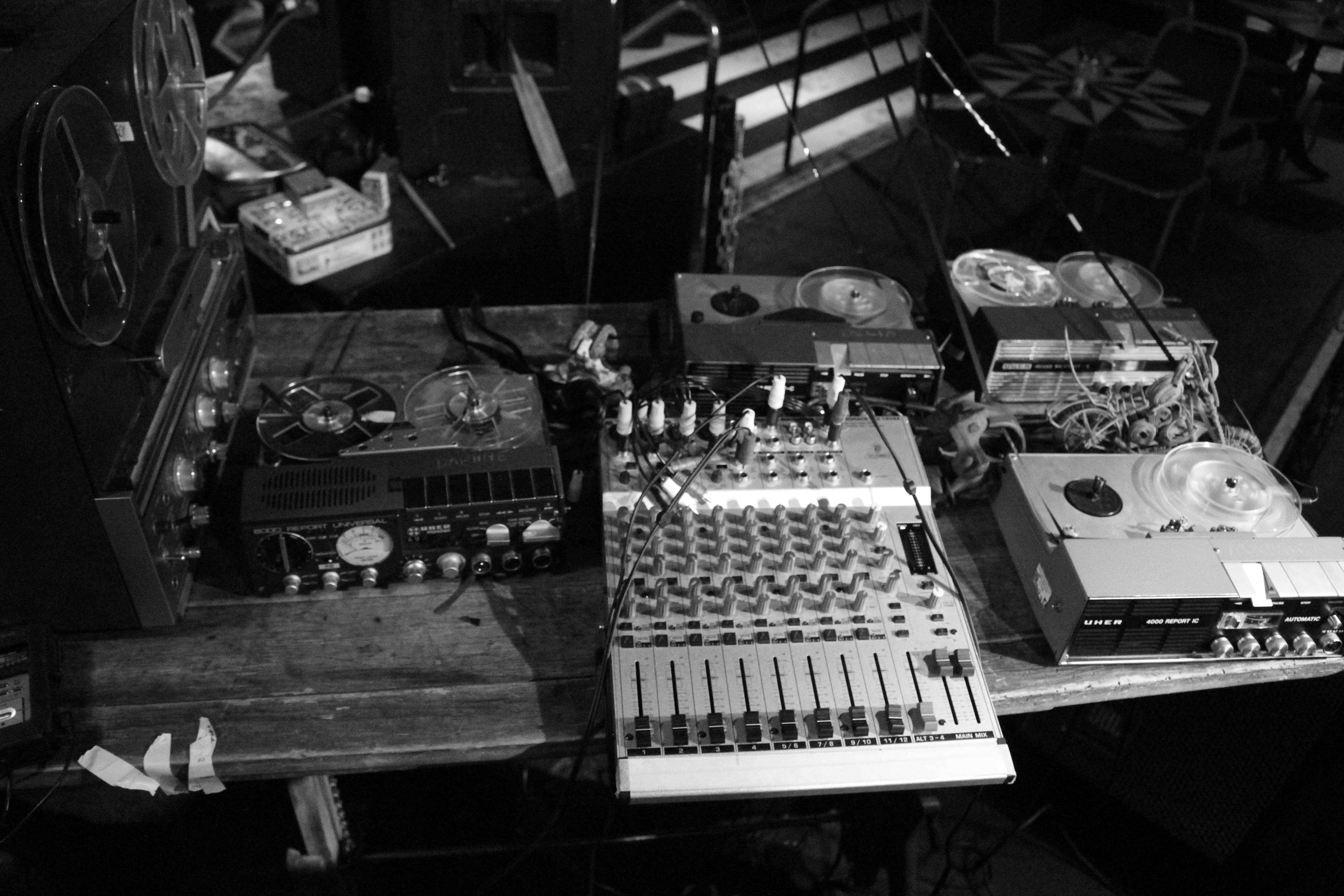 Howlround-Soundcheck-Setup