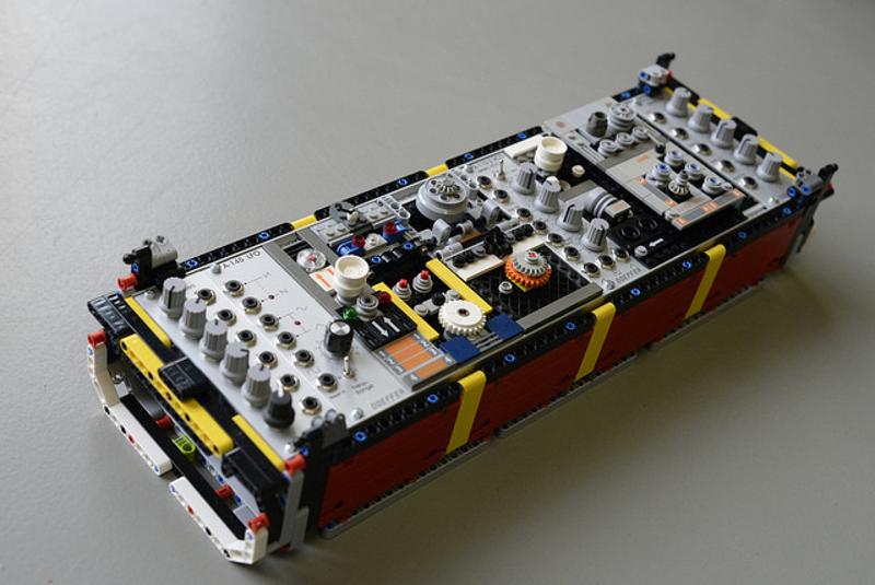lego-synth-module-b