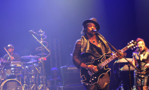 D'Angelo will pay tribute to Prince on The Tonight Show