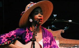 """Lauryn Hill defends turning up two hours late to concert: """"The challenge is aligning my energy with the time"""""""