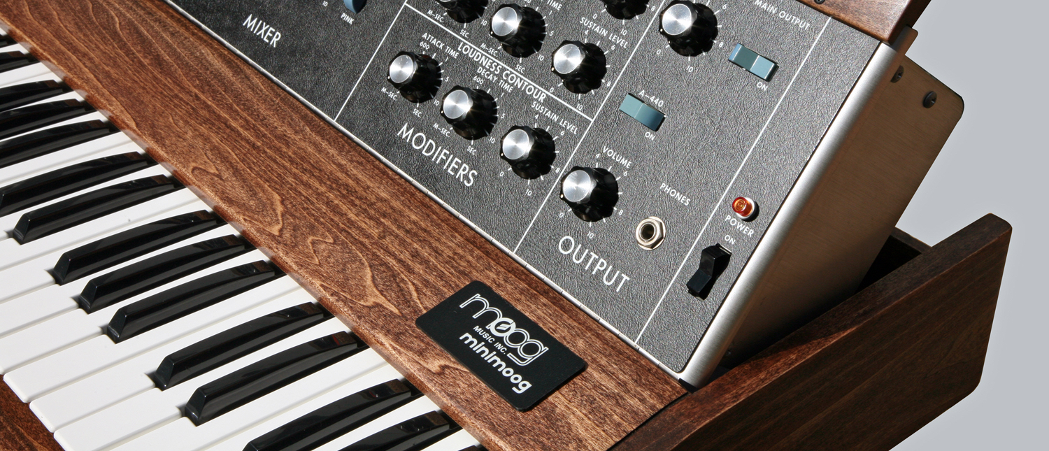 14 Synthesizers - Minimoog