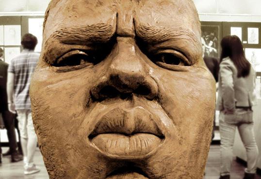 Museum raising money to erect bronze statue of Notorious B.I.G in Brooklyn