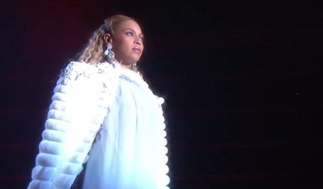 Watch Beyoncé's jaw dropping Lemonade performance at the VMAs