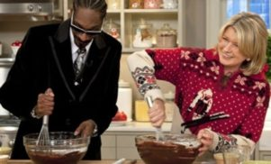 Snoop Dogg will host a cooking show with Martha Stewart