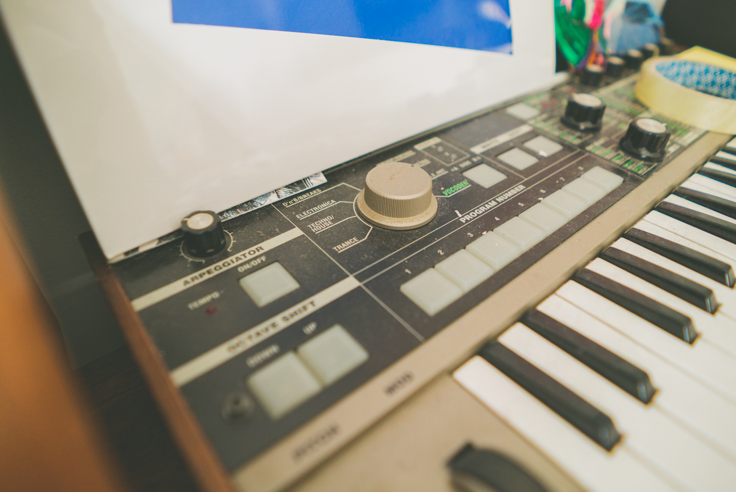 rival-consoles-by-pawel-ptak-03