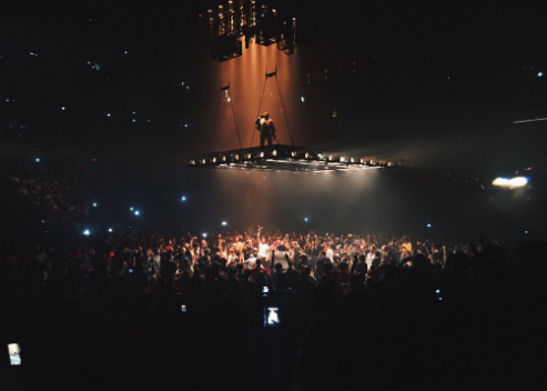 Kanye West ends show after three songs, fires shots at Beyoncé, Jay Z and Hillary Clinton
