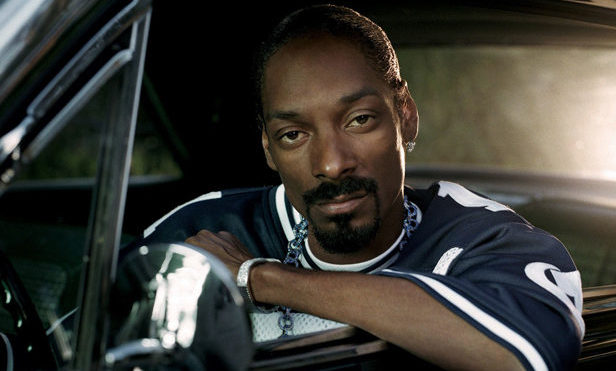 """Snoop Dogg responds to Kanye West outbursts: """"What the fuck is he on?"""""""