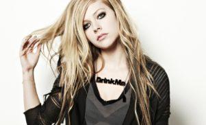 "Avril Lavigne accusing Mark Zuckerberg of ""bullying"" Nickelback is the beef 2016 deserves"