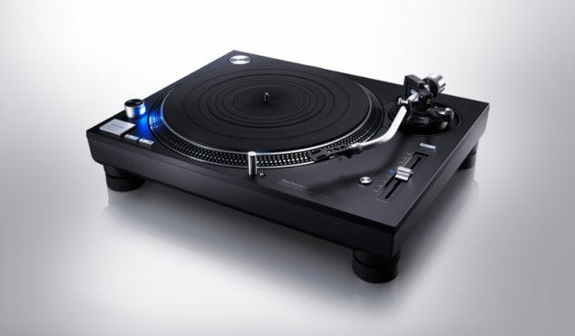 Technics is releasing a black SL-1210GR turntable