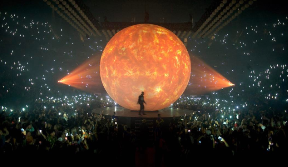 Drake brings out Nicki Minaj and More Life collaborators at London O2 Arena show