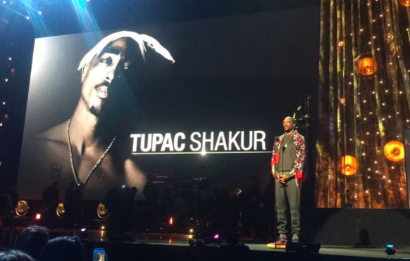 Snoop Dogg, Alicia Keys, YG, T.I. pay tribute to Tupac at Rock and Roll Hall of Fame ceremony