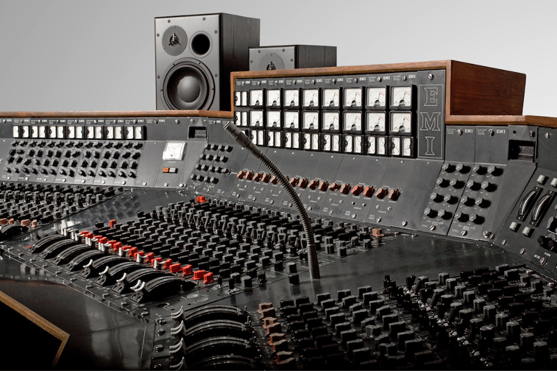 Pink Floyd's Dark Side of the Moon console will be used to record music again
