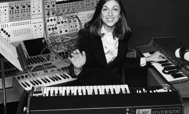 Suzanne Ciani joins Brian Eno and Devo as recipient of Moog Innovation Award