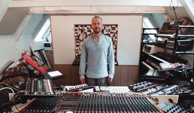Watch Sebastian Mullaert's live techno session from his woodland studio
