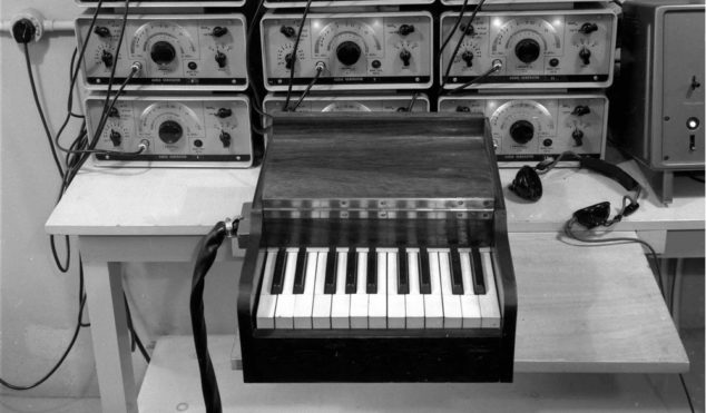 BBC offers 16,000 sound effects from its archive for free download