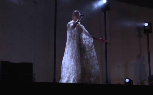 Watch FKA twigs perform at Valentino's menswear fashion show